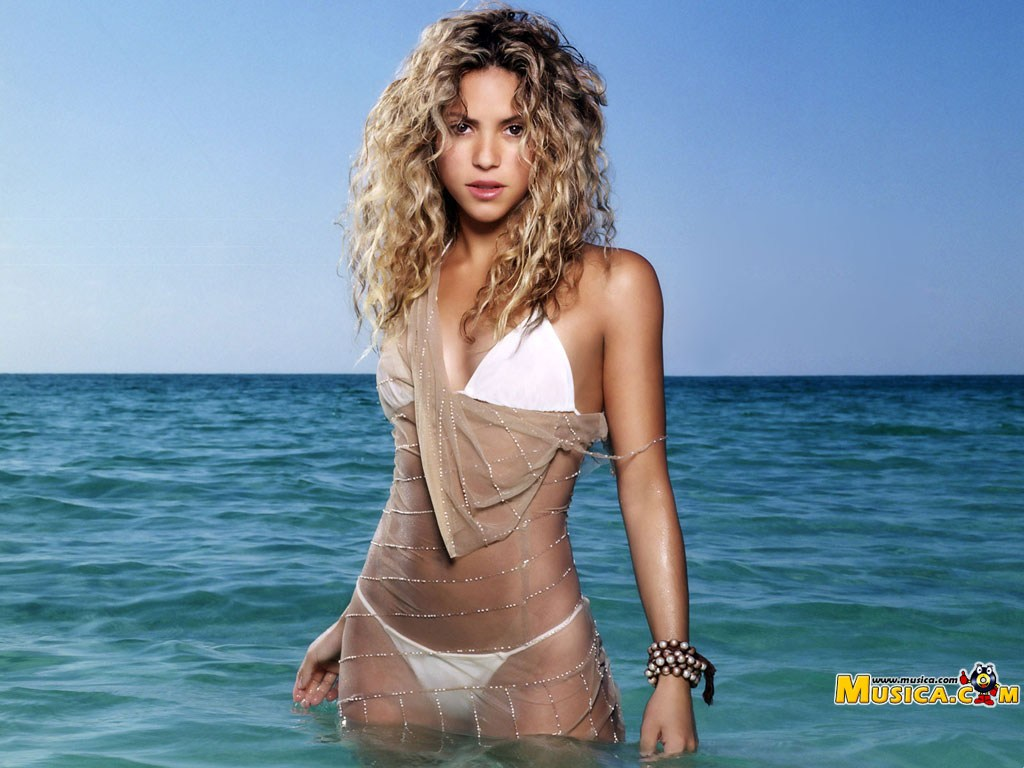 Shakira Hot Photo in Bikini